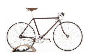 THE VELCE BICYCLE PEDESTAL by ANNA FREEMAN & RICARDO LIMA